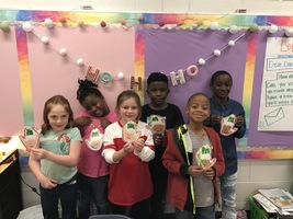 Mrs. Poe's class makes Ornaments & Posters
